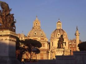 rome-piazza-venezia-1478264-639x408
